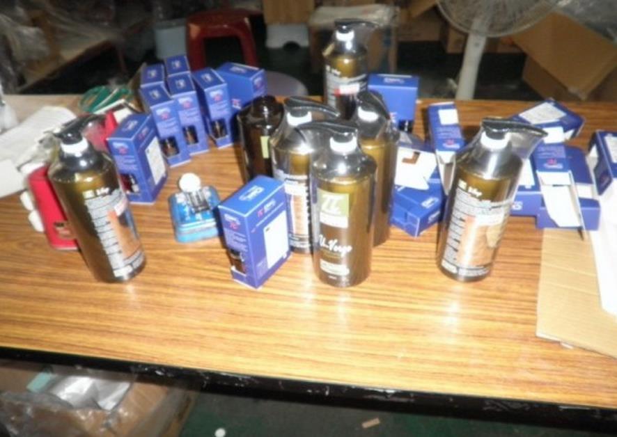 衛生局與警方查扣大批違法產品
