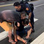 民眾醉倒路中 警及時協助免釀意外